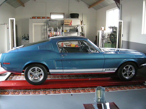 Ford Mustang Fastback GT 351